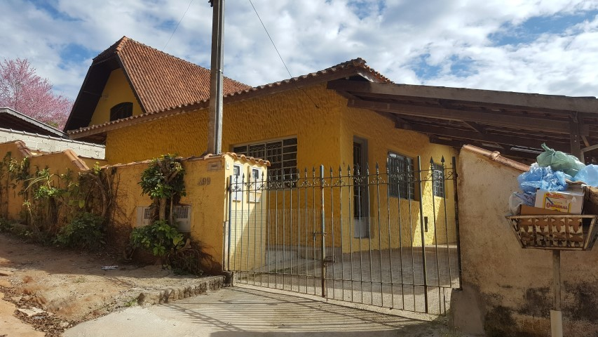 CASA-CENTRO-SANTO ANTONIO DO PINHAL - SP